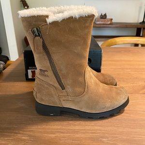 GUC Sorel Emilie waterproof boots size 1